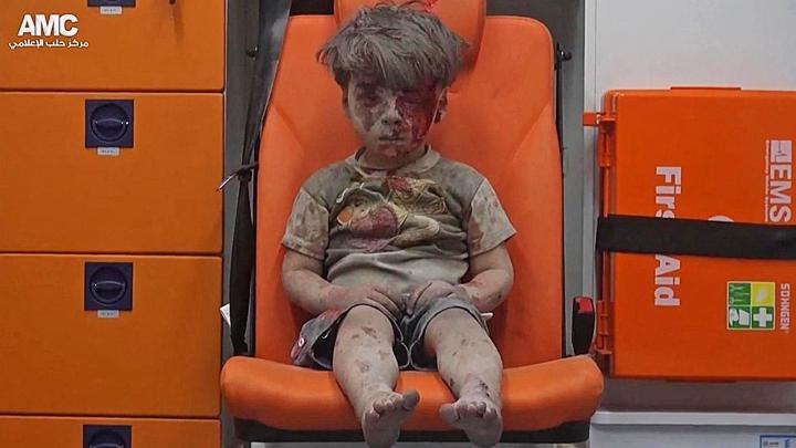 REVOLTĂTOR! Ce a spus Bashar al-Assad despre Omran, băiatul sirian fotografiat plin de sânge și praf