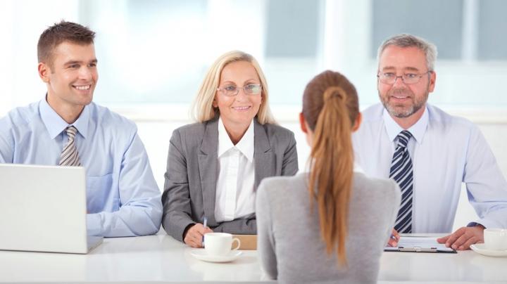 Îți cauți un job nou? Sfaturi IMPORTANTE cum te prezinți la un interviu