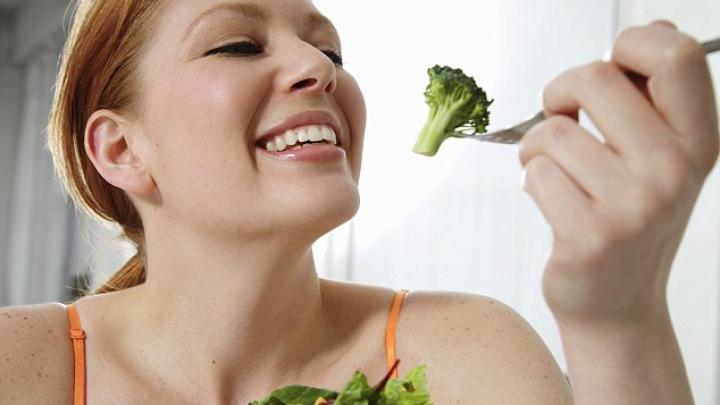 Mâncarea sănătoasă are un gust neplăcut? Savanții au creat un dospozitiv, care ar putea păcăli limba umană
