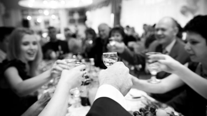 Nuntă transformată într-un COȘMAR! E tragic ce s-a întâmplat cu una dintre invitate (VIDEO)