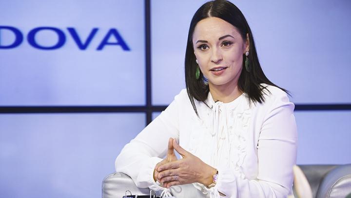 """Andreea Marin s-a alăturat Campaniei """"Familii Ocrotite"""" şi spune NU violenţei în familie (VIDEO)"""
