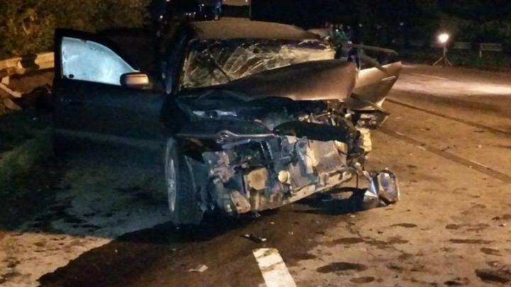 GRAV ACCIDENT la Cernăuţi. Doi moldoveni şi-au pierdut viaţa după ce au fost loviţi din plin (FOTO)