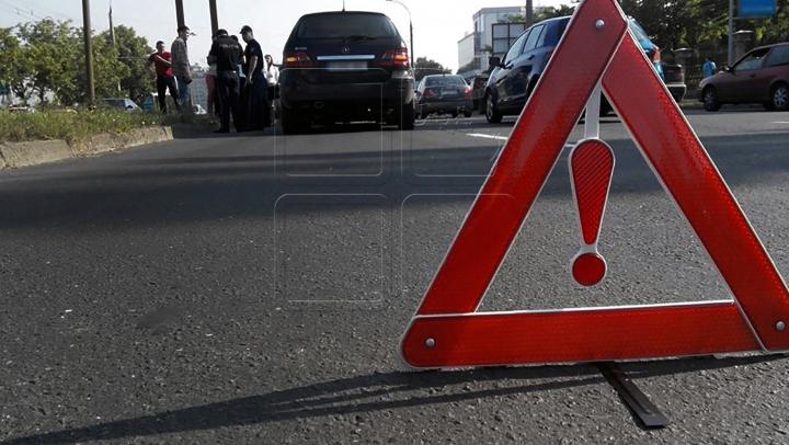 Copil de TREI ANI, MORT în urma unui ACCIDENT RUTIER. Cât de AVARIATĂ este maşina în care se afla (FOTO)