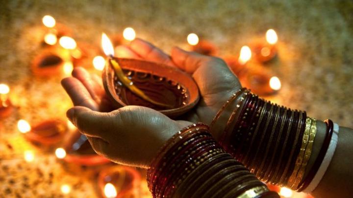 FESTIVALUL LUMINILOR din India. Mii de lămpi, APRINSE în întreaga ţară (VIDEO)