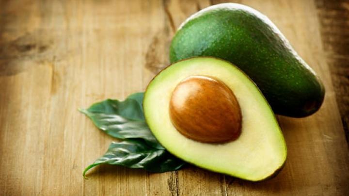 Avocado face minuni pentru sănătate. Ce beneficii poți obține dacă consumi regulat acest fruct