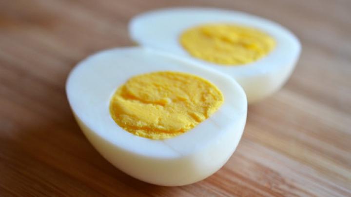 Ce se întâmplă în organism dacă mănânci mai mult de trei ouă pe zi? Avertismentul medicilor