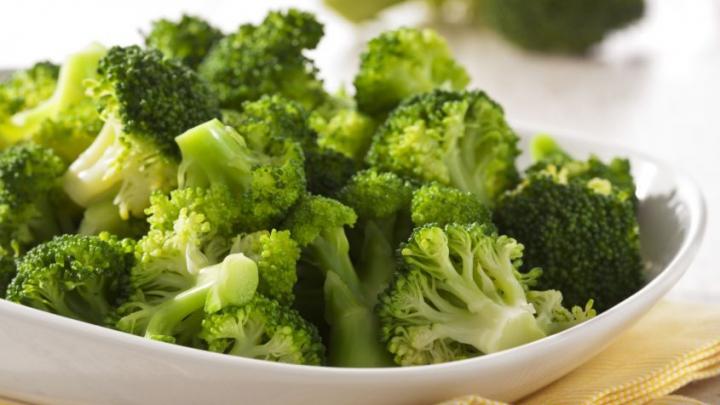 E cea mai detestată legumă dar are efecte miraculoase asupra sănătății: 5 motive să mănânci broccoli