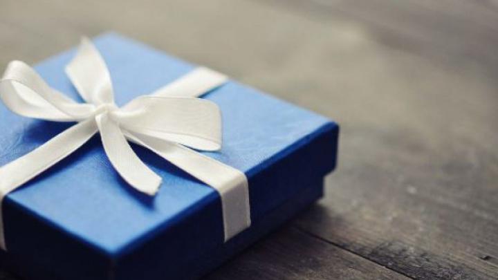 Ai primit un cadou care nu îţi place? ACEASTA este REACŢIA ideală