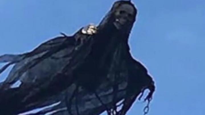 Un bărbat A BĂGAT SPAIMA în vecini, după ce a lansat în aer o dronă FANTOMĂ