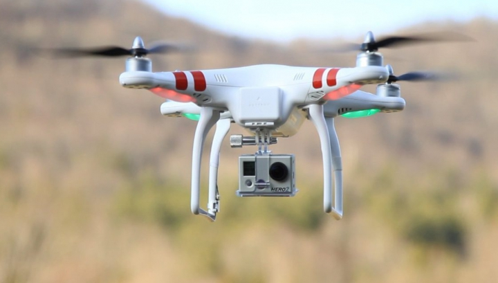 Suedia INTERZICE folosirea de drone cu cameră de filmat. Care e MOTIVUL