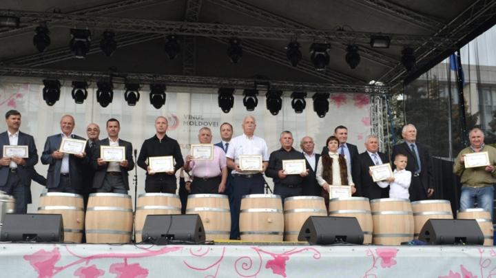 """Vinul de casă, apreciat de juriu în cadrul concursului """"Polobocul de Aur 2016"""" (FOTO)"""