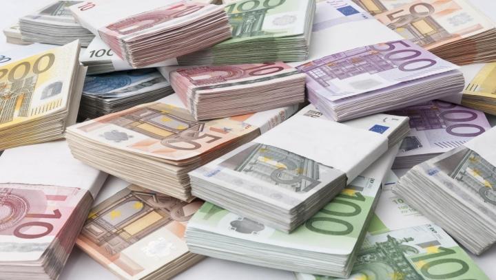Câştig record! Un bărbat s-a îmbogăţit cu 90 de milioane de euro peste noapte