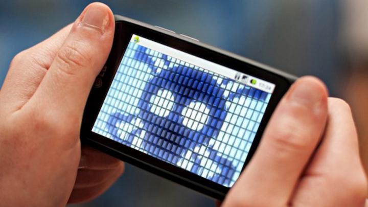 Atenție la ce descarci: 400 de aplicații din Google Play te pot pune în pericol