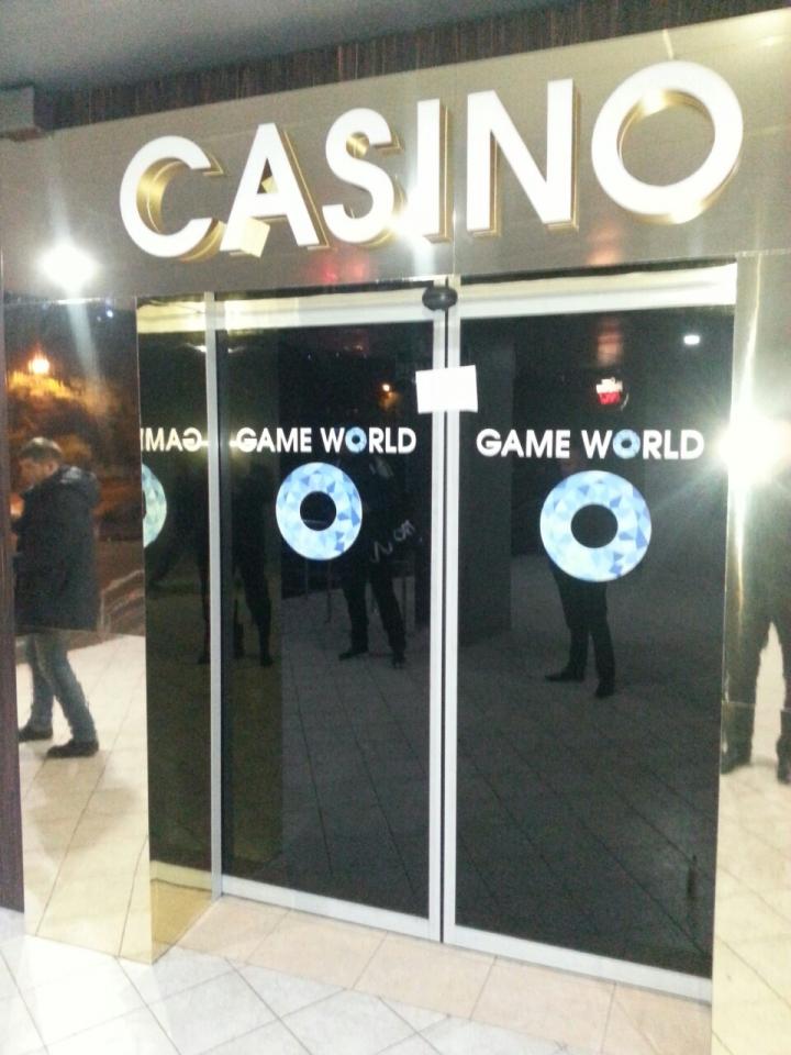 Poliția ÎNCHIDE și SIGILEAZĂ toate cazinourile din ţară (FOTO)