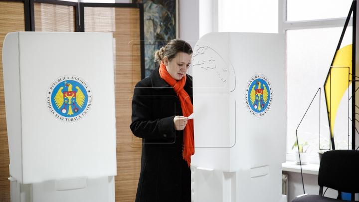 ALEGERI PREZIDENŢIALE. Profilul alegătorului şi rata de participare până la ora 19:00 (VIDEO)