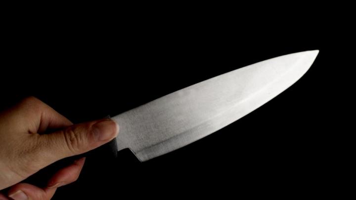 FOC ŞI PARĂ! O femeie din Capitală şi-a înjunghiat ginerele (VIDEO)