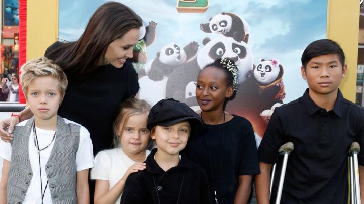 Angelina Jolie și copiii încep ședințele de terapie