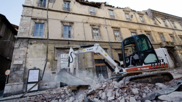 DEZASTRUOS! Cutremurele de 5,4 şi 6,1 grade produse în Italia au avut peste 350 DE REPLICI