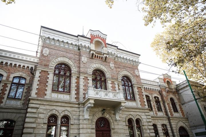 Frumusețe ca în Viena! Cum arată Muzeul Național de Artă al Moldovei după renovare (FOTOREPORT)
