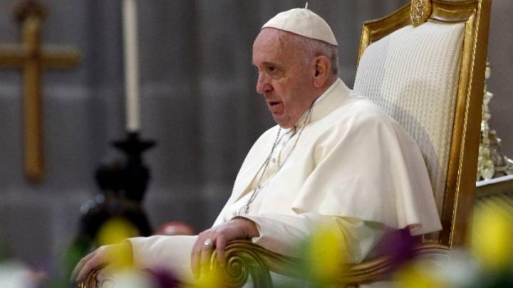 Biserica Catolică interzice împrăştierea cenuşii defuncţilor sau păstrarea urnei funerare în casă