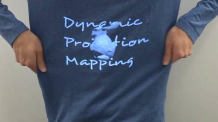 INTERESANT! Cum arată o proiecție pe haine la 1.000 de cadre pe secundă (VIDEO)