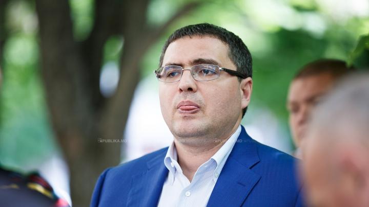 RECORD RUŞINOS! Câte zile a fost Renato Usatîi la serviciu în calitate de primar de Bălţi