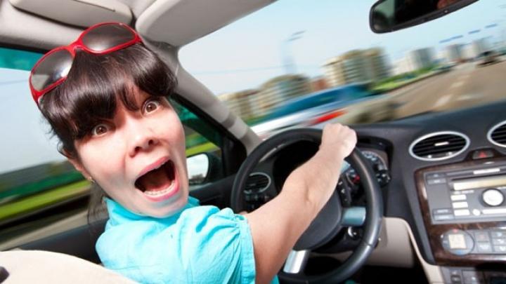 ŢI SE RUPE INIMA! De cât timp a avut nevoie o femeie pentru ca să-şi parcheze maşina (VIDEO)