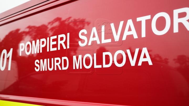 O nouă intervenţie SMURD! Victima unui accident rutier, transportată de urgenţă la spital (VIDEO)