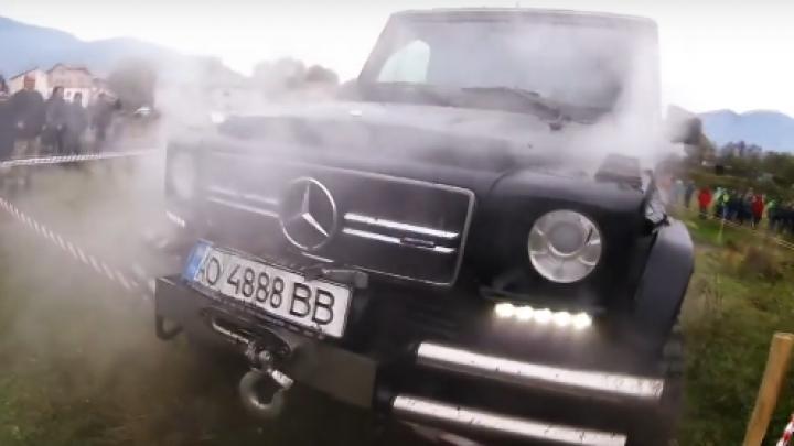 BĂTAIE DE JOC! Un Mercedes legendar, în teste extreme (VIDEO ŞOCANT)