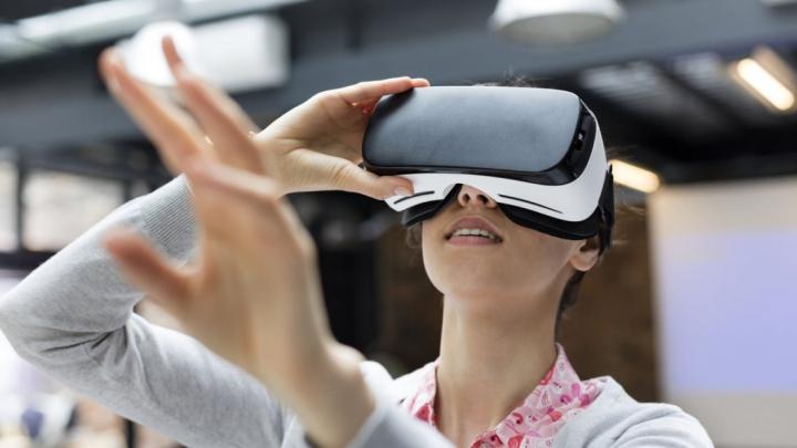 Tehnologie REVOLUŢIONARĂ! Testele pentru angajare au început să se dea în realitatea virtuală