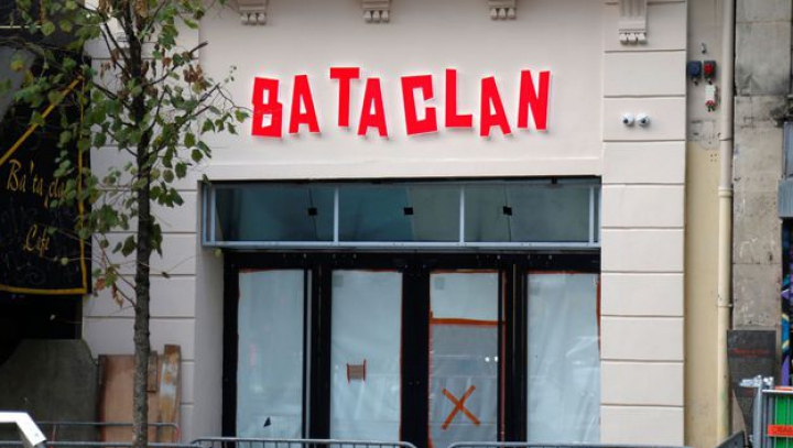 Paris: La aproape un an de la atentatele teroriste, sala de concerte Bataclan are o nouă fațadă