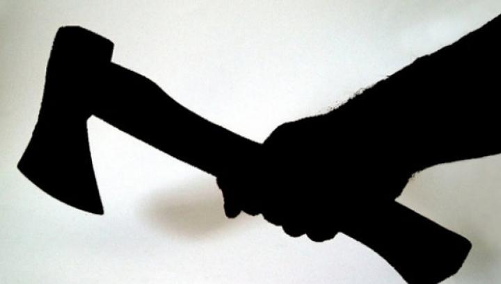Un bărbat din Rusia a cerut-o de soție pe femeia care îl atacase cu un topor. S-au căsătorit în timpul procesului de judecată