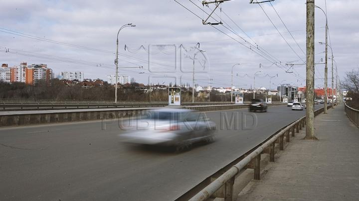 Toţi şoferii trebuie să ştie! Un nou indicator rutier a apărut pe Viaduct (VIDEO)