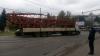 O macara a agăţat firele de troleibuz şi le-a luat cu ea. Sectorul Buiucani, RUPT de restul oraşului (VIDEO/FOTO)