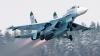 MANEVRĂ PERICULOASĂ! Un avion de vânătoare, la un pas să producă o CATASTROFĂ (VIDEO)