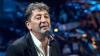 Un cântăreț celebru din Rusia a căzut pe scenă în timpul unui concert (VIDEO)