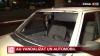Câtă nesimţire! Doi tineri au vandalizat o maşină parcată pe o stradă din Capitală
