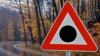 """Indicatoarele """"Punct negru"""", amplasate pe drumurile unde au avut loc accidente grave, vor fi ÎNLOCUITE"""