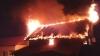 GEST CRIMINAL: Un tată şi-a închis copiii în casă, apoi a incendiat-o! Ce a făcut când au venit pompierii