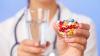 Moldovenii administrează în exces antibiotice. Cum explică specialiştii acest fenomen