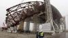 Un DOM URIAŞ, menit să acopere reactorul nuclear explodat la Cernobîl, a început să fie instalat