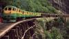 Cele mai periculoase căi ferate din lume. Locurile pe unde e greu de crezut că poate trece trenul (VIDEO)