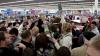 Nebunie mare! Black Friday adună MILIOANE de oameni în centre comerciale