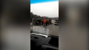 ACCIDENT pe şoseaua Bălţi-Chişinău: Un tractor s-a răsturnat în mijlocul drumului