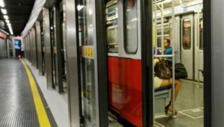 Alertă cu BOMBĂ la o stație de metrou din Milano. Toţi călătorii, EVACUAŢI