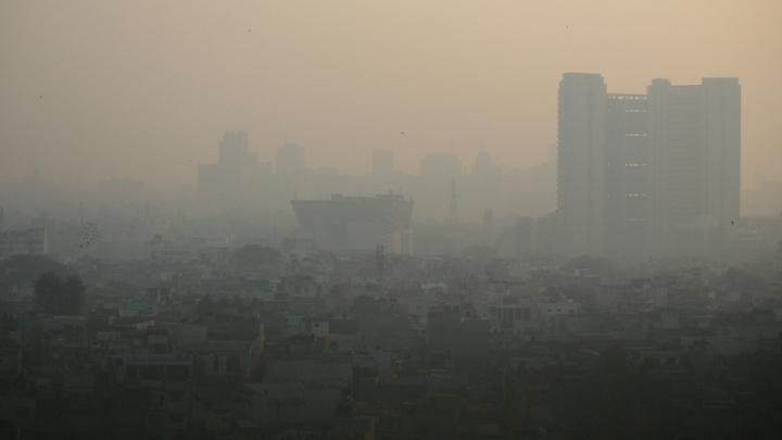 Aproape 2.000 de şcoli vor fi închise sâmbătă în capitala Indiei din cauza nivelului record de poluare