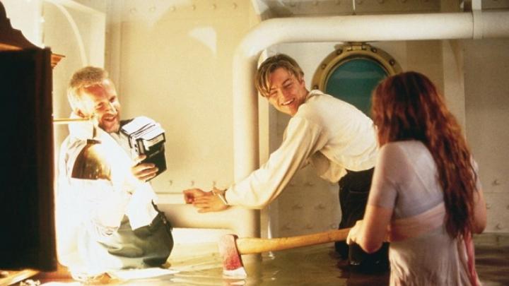 Fotografii din spatele filmărilor celebrului film Titanic (FOTO)