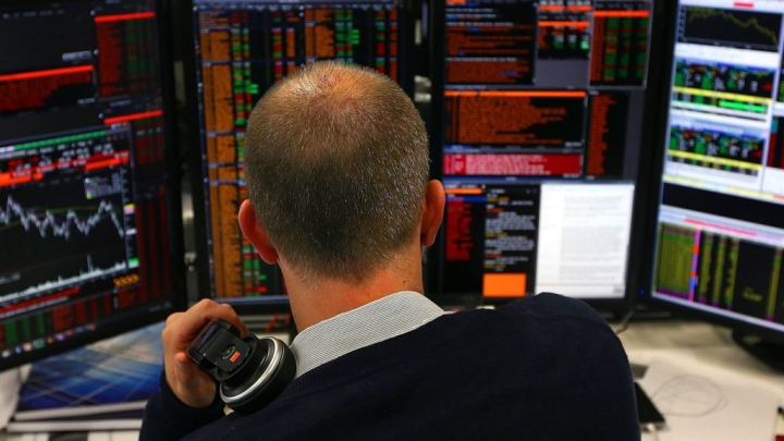 Economia britanică, în cădere liberă. Numărul milionarilor din Regatul Unit a scăzut drastic în ultimele 5 luni