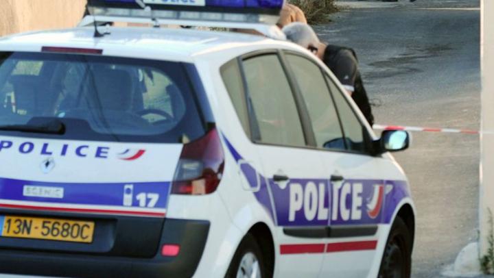 Poliţiştii AU ÎNCREMENIT! În ce peripeție a nimerit un moldovean din nordul Franței