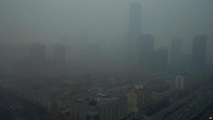 COD PORTOCALIU DE POLUARE A AERULUI. Autorităţile din Beijing au luat o serie de măsuri de urgenţă